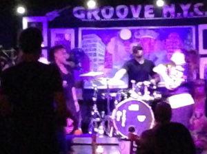 groove 3